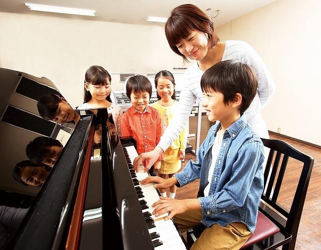 写真:小学生のためのジュニアスクール『基礎コース』