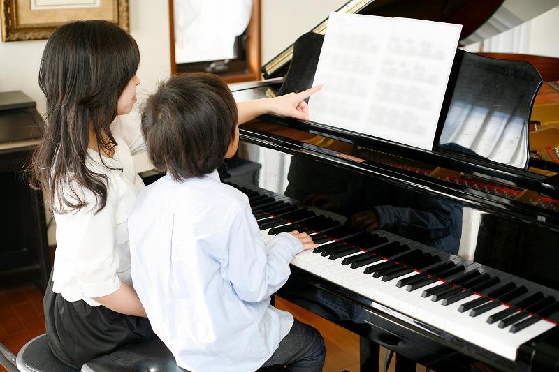 写真:小学生のためのジュニアスクール『ピアノ』